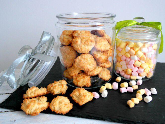 Popołudniowe wypieki 😁 Koksaki  🍪😃---> Zapraszam na moją stronę na fb https://m.facebook.com/eatdrinklooklove/ ❤ . . Afternoon baking 😁 Coconut cookies 🍪😃 ---> I invite you to my page on fb https://m.facebook.com/eatdrinklooklove/ ❤