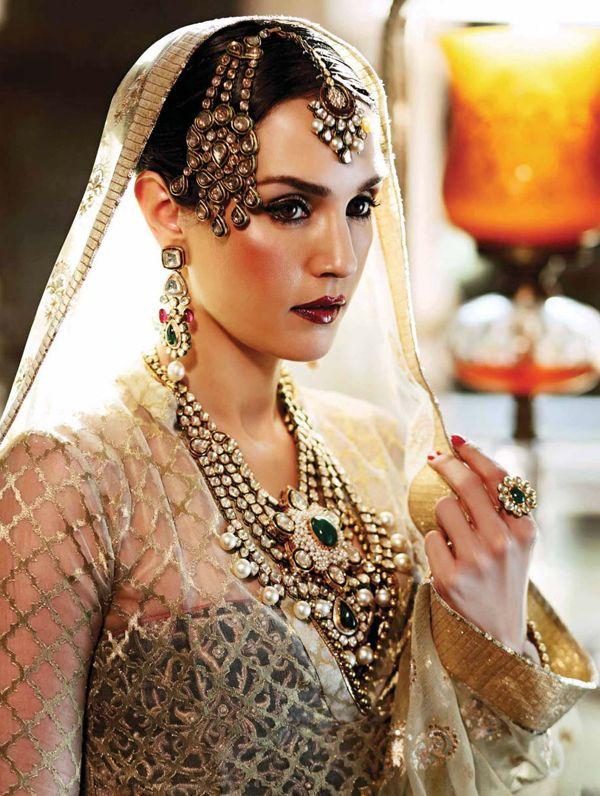 Beautiful kundan necklaces. Sonya Jehan exclusive photoshoot in Umrao Jaan style for Hello! India