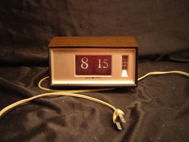 Vintage General Electric Flip Alarm Clock Model 8116K
