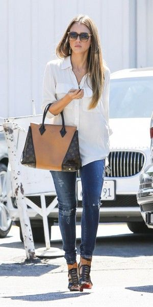 Jessica Alba, Reese Witherspoon,  Sarah Jessica Parker : toutes accros au it-bag W de Louis Vuitton !