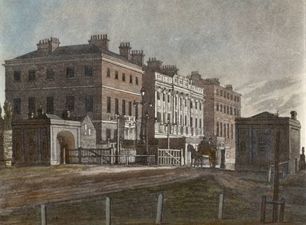 Wellington Arch. Engraving dated 1810 of Hyde Park Corner, showing the original red-brick Apsley House and the Hyde Park Corner tollgate. english-heritage.org.uk