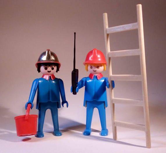 PLAYMOBIL / 2 Pompiers / Ville / Caserne / Vintage