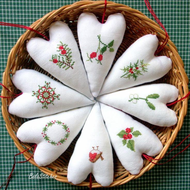Bela Stitches: Świąteczne ozdoby / Cross Stitch ornaments, great idea for any holiday/occasion!