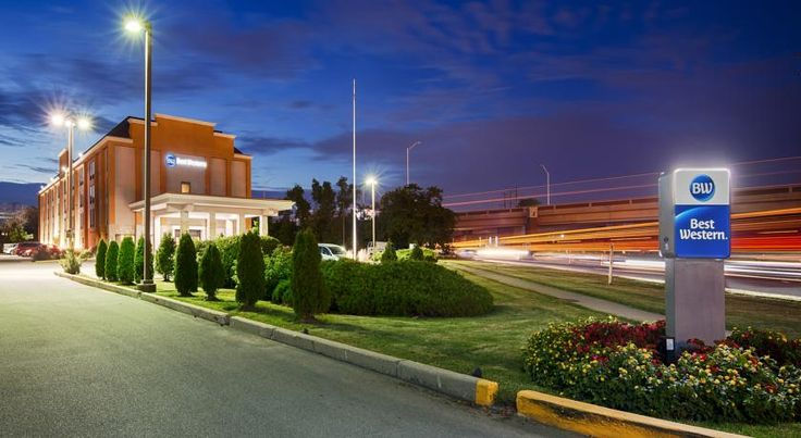 Best Western O'Hare North/Elk Grove Elk Grove Village Offering free 24-hour shuttle services to O'Hare International Airport, this hotel is located in Elk Grove Village and includes complimentary hot breakfast for all guests.