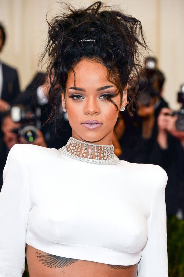 Read our exclusive interview with makeup master Mylah Morales and get Rihanna's Met Gala look, here.