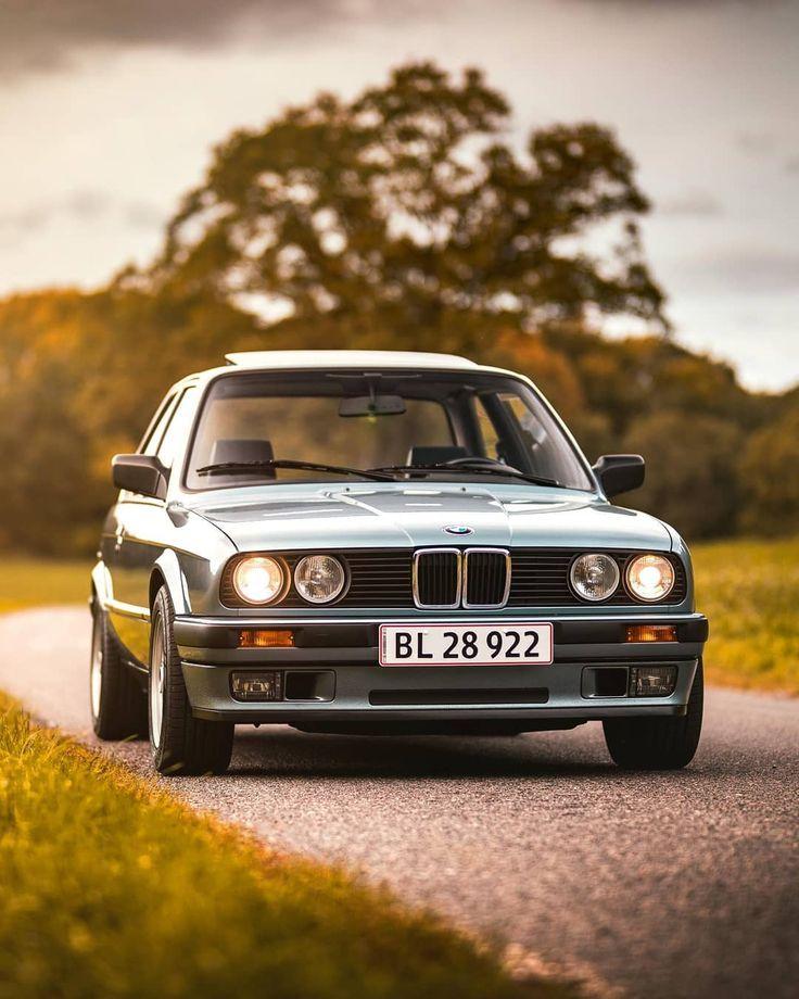Die #BMW 3-Serie (# E30) ist für viele ein Traumauto, für den Fotografen @weshootcars jedoch eine Realität. Wer würde nein zu einer der bekanntesten sagen ...