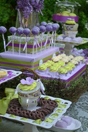 Love the table set up.Purple & Lime Green