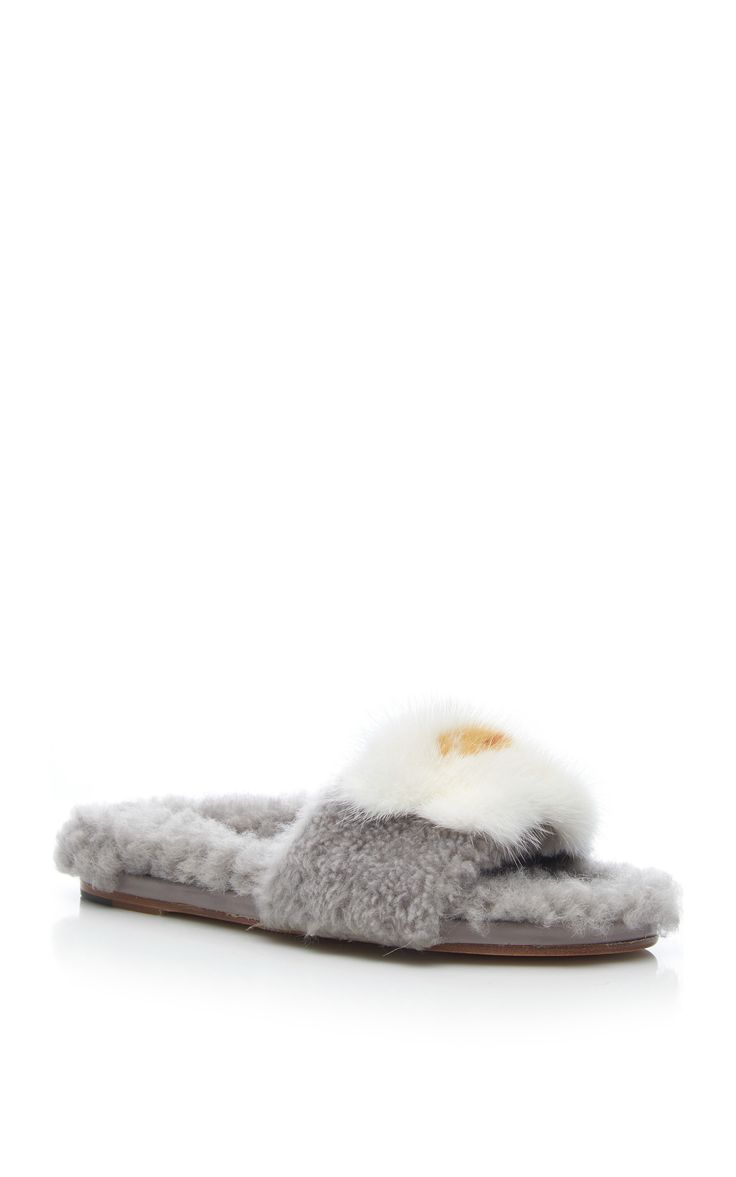 ANYA HINDMARCH Shearling Slide with Egg Detail. #anyahindmarch #shoes #detail