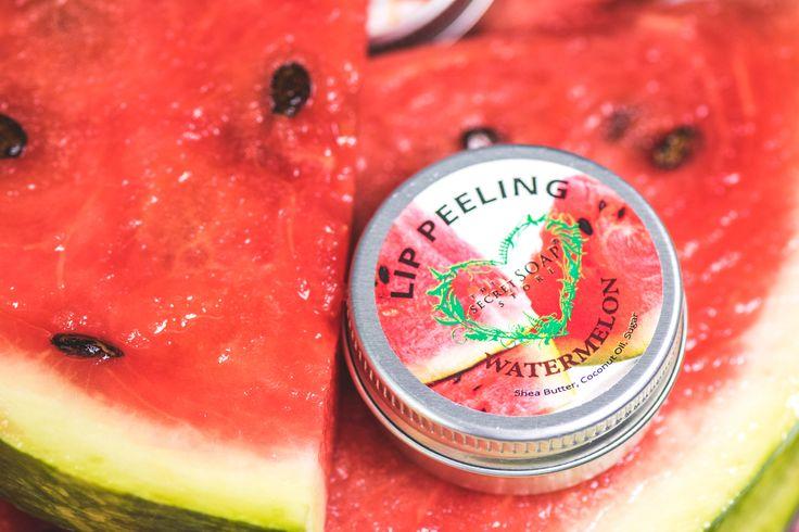 Feel the watermelon freshness on your lips! <3  Produkt znajdziesz tutaj: http://secret-soap.com/usta-185 #mysecretsoapstyle #thesecretsoapstore #naturalbeauty #naturalcosmetics #naturalnekosmetyki #kobieta #woman #watermelon #lipbutter #lippeeling