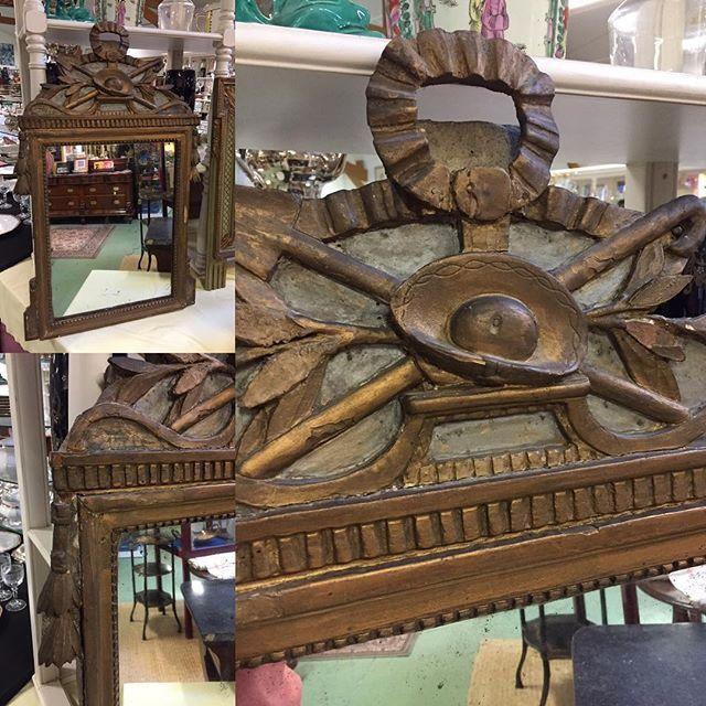 Louis XVI Mirror 1780's #auvieuxchaudron#antiques#antiquites#vintage#galery#deco#homedecoration#decoration#frenchart#vintagehome#labrocante#curiosities#interiör#decoração#europeantiques#chic#oldfurniture#art#artantiques#art#instahome#chic#antiquedealersofinstagram#antiquestore#brocantestyle#frenchantiques#antiguidades#wood#paimpol