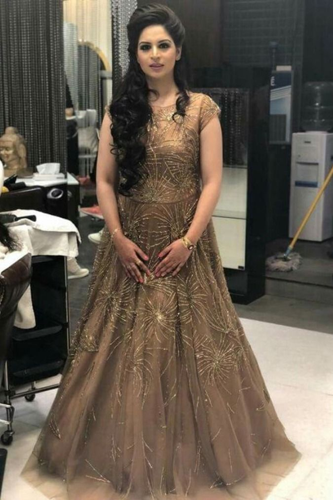 Hairstyle With Lehenga Open Wedding Simple Receptions Top 40 Open Hairstyle With Lehenga In 2020 Hairstyles For Gowns Indian Bride Pakistani Bridal Dresses