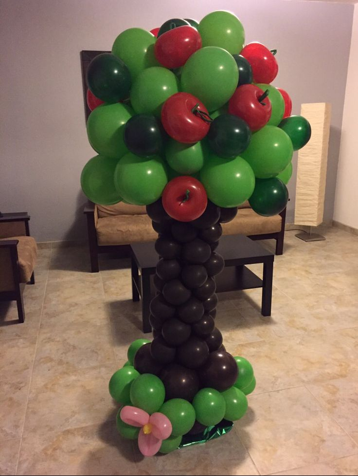 Snow white ballon tree  Birthday Party
