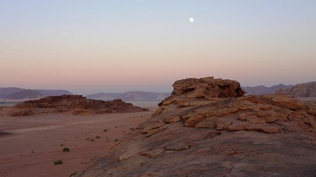Jordanie - Sublime Wadi Rum, au crépuscule.