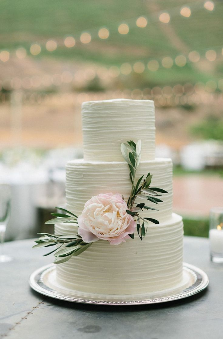 Wedding Cake with Peony - 011. Callista & Company - Geoff Captain Studios - Cake: The Butter End Cakery - Florals: Lilla Bello #weddingtips