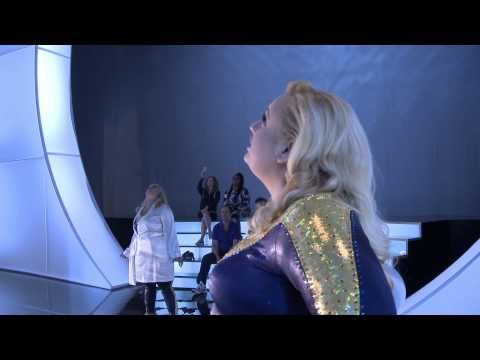 Get ready for Pitch Perfect 2 by…badly impersonating P!nk. Yeah, that sounds good.