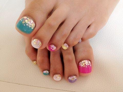 summer manicure and pedicure ideas | Pretty Pedicure Nail Art Ideas for 2012