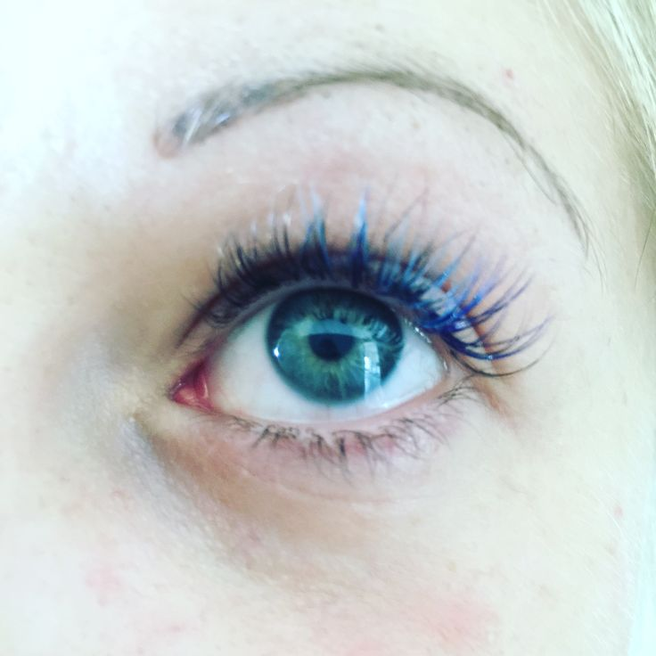 Blue single eyelash extensions