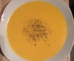 Süßkartoffel-Ingwer-Kokosmilch Suppe