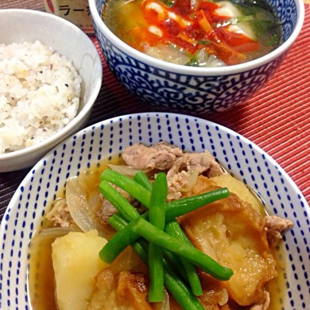 仙台麩を入れての肉じゃが、初ですが、味がしみてもちもちプルンプルンで美味しいなぁ(≧∇≦)餃子スープは、鶏がらスープに醤油、オイスターソース、ごま油、白ごま、キャベツ、ほうれん草、人参で、みんみんのラー油を垂らして旨辛 - 74件のもぐもぐ - 仙台麩入りの肉じゃがと餃子スープ by machiruda11