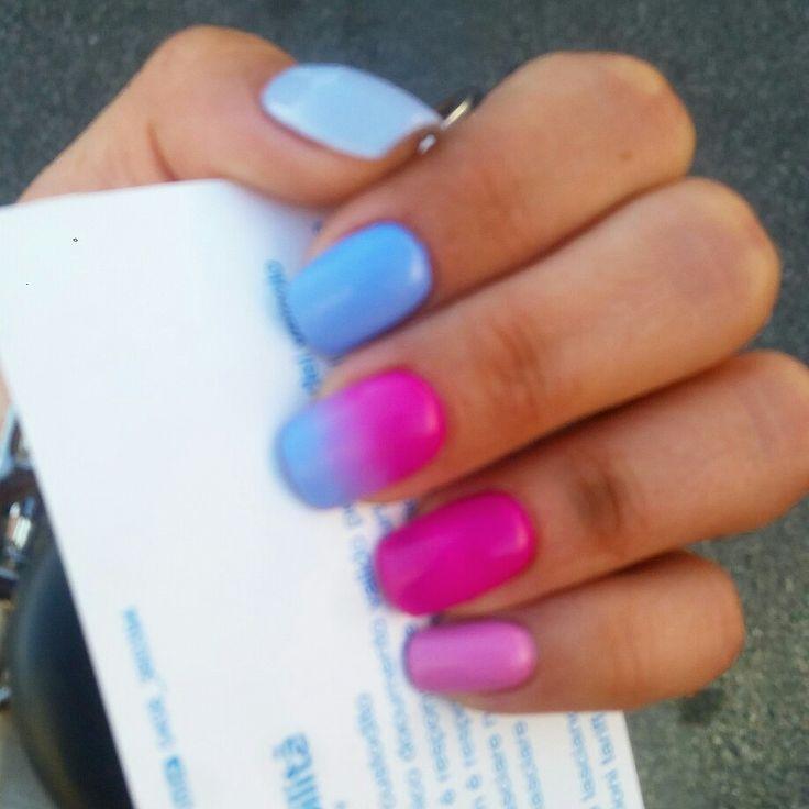 #nailart #nails #unghiemania #unghiegel #pazzeperleunghie #nailstyle #naildecore #manicure #nailsideas #colorednails #fucsia #celeste #sfumature #gel #gelnails #littlehands #hand