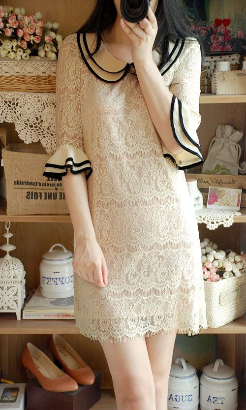 Retro dress. lace, collar , cuffs