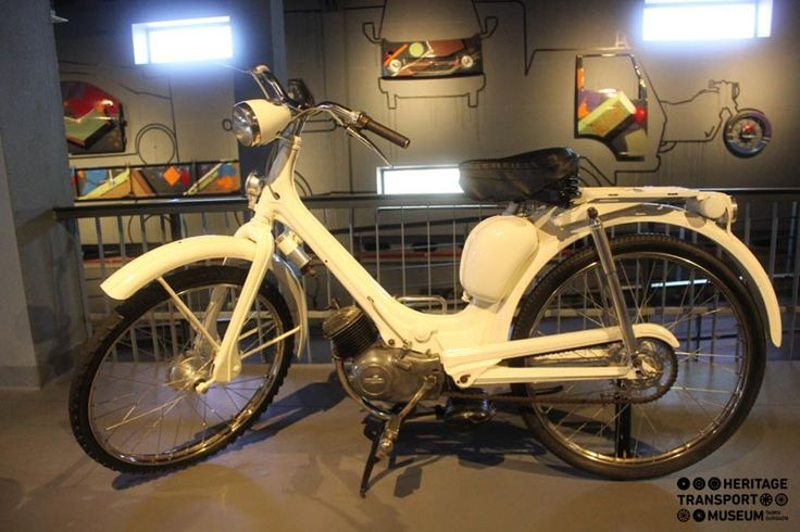 Manufactured by the Italian machinery works Innocenti, Lambretta brand of scooters were founded in 1947! Here's for you, a sparkling white Lambretta Moped of 1947! #lambretta #scooter #vintage
