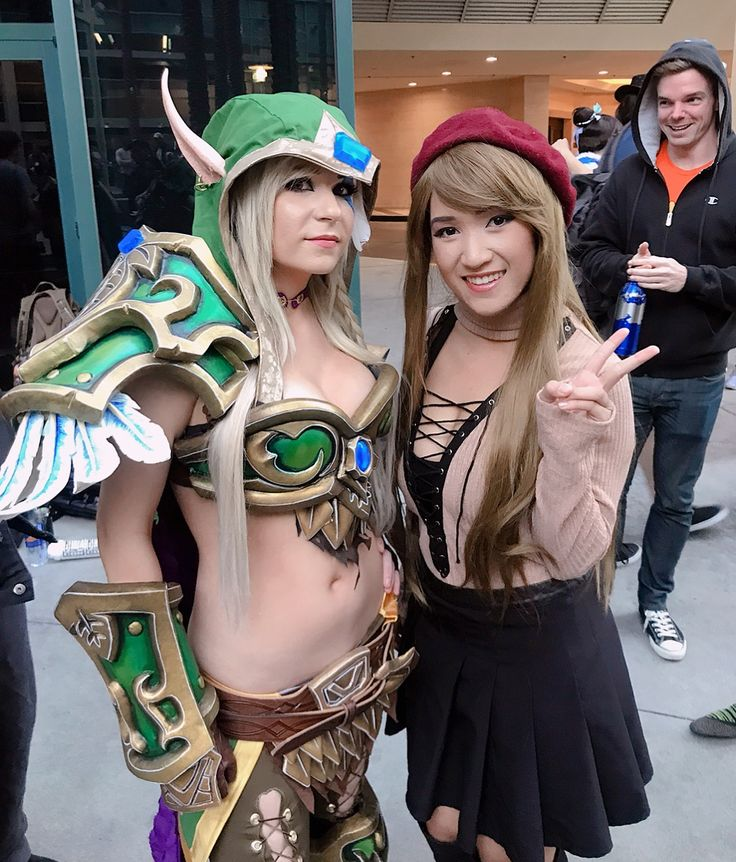 Attending #blizzcon for the first time yesterday was awesome!! Every once in a while its nice to go to a convention as an attendee without having to worry about wearing a costume and just enjoy the people/talent the con brings together! Got to meet some of my biggest idols like @daniellebaloo & @darshelle_stevens ! I still cant believe it!  Did any of you guys attend or watch the livestream at home? Talk about the announcements with me!! I am still so hype about that Heroes of the Storm…