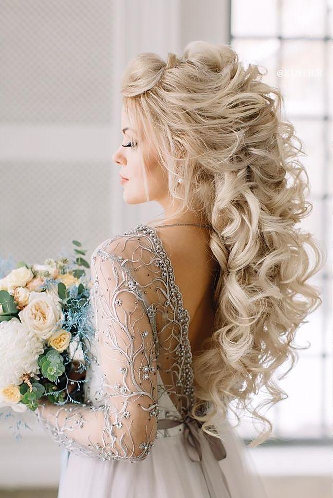 36 combinaisons parfaites de coiffures de mariage et de robes de mariée