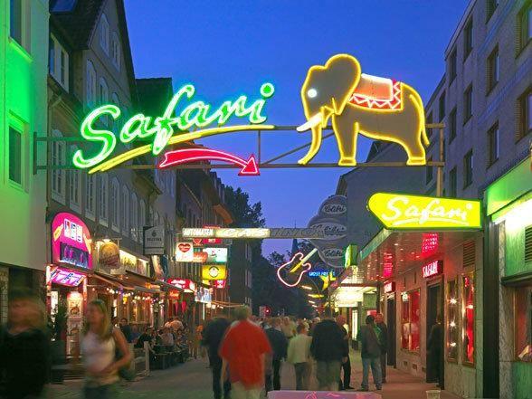 St. Pauli Hamburg neon