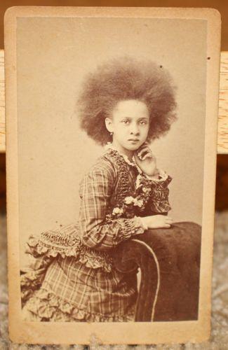 ANTIQUE-CDV-PHOTO-LITTLE-AFRICAN-AMERICAN-GIRL-WILD-AFRO-BLACK-AMERICANA