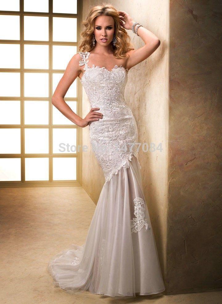Картинки по запросу свадебные платья с открытой кружевной спиной