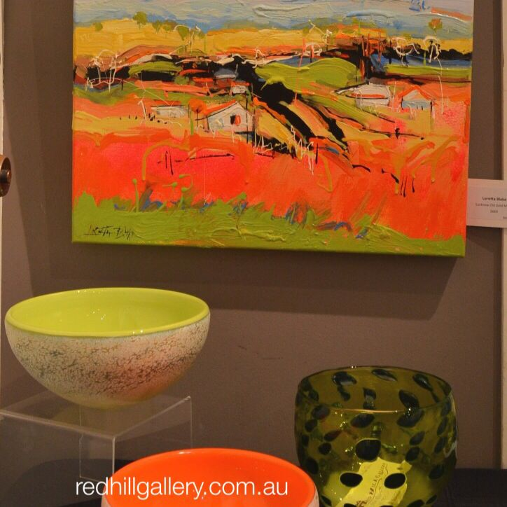 Painting by Loretta Blake, contemporary glass art by De Flute Glass & Keith Rowe. Red Hill Gallery, Brisbane. redhillgallery.com.au