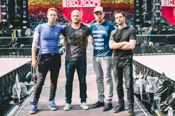 Coldplay News — Coldplay before they took the stage in Manchester...