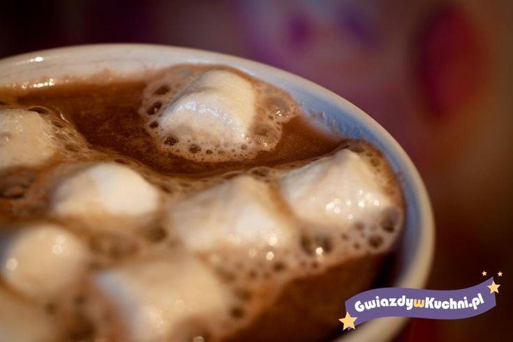 Gorąca czekolada z marshmallows, pianki marshmallow, czekolada