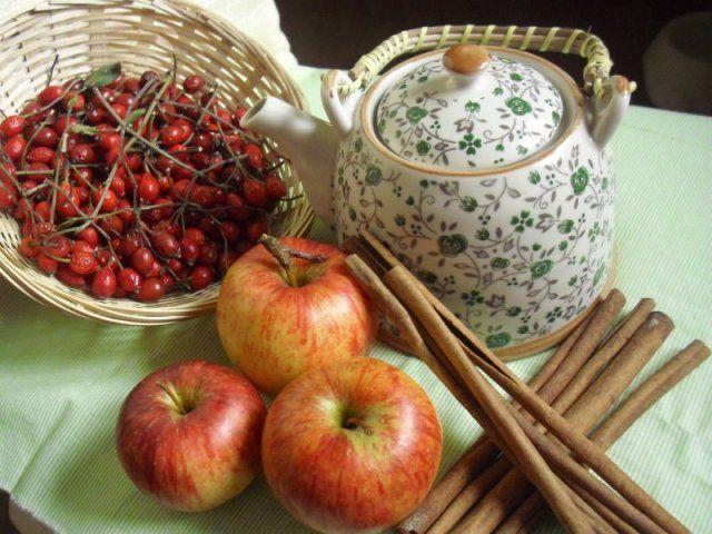 Pečený čaj z jablíček a šípků - Levandulkarozmarynova