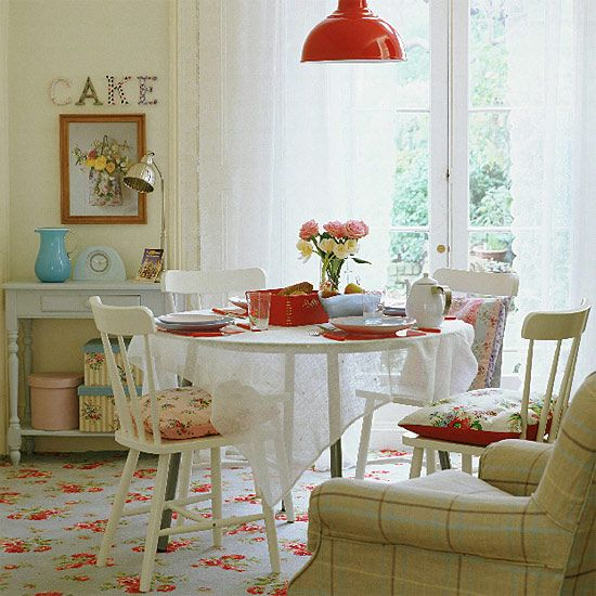 cath kidston carpet...swoon!: Cottages Dining, Cathkidston, Dining Rooms, Cottages Style, Lights Fixtures, Cath Kidston, Dinning Rooms, Fleas Marketing Style, Small Cottages