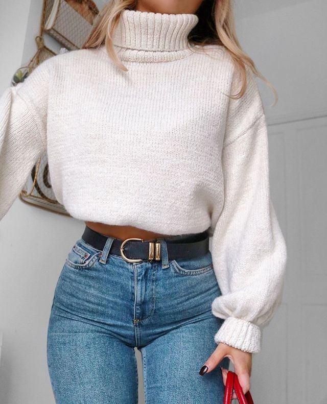 Pinterest: Stacy's Fashion  Light blue jeans & black belt & white whool blouse.