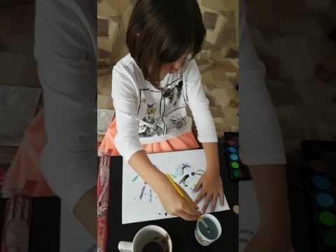 Pictura cu mânuțele - YouTube