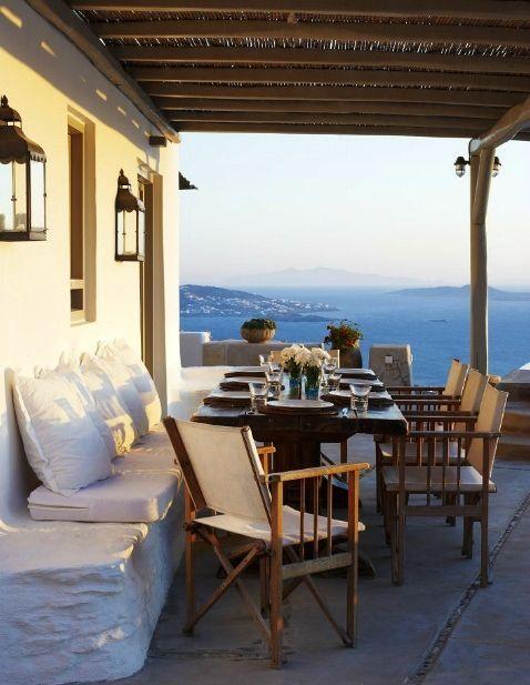 Três em Casa: decoração grega