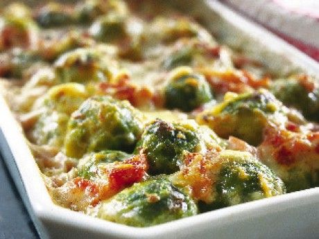 Cheese and Brussels sprouts baked in the oven with ham!