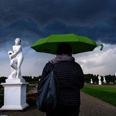 Storm cancels premiere evening of 'Kleines Fest im Grossen Garten' in Hanover