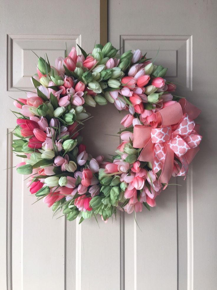 Spring -Summer time Tulip Wreath, Coral and Inexperienced Tulips, Spring Decor, Bed room decor, Wall Decor, Reward for Mother, Easter Wreath