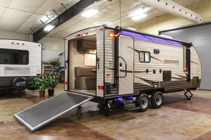 2016 Toy Hauler Travel Trailer 19RR