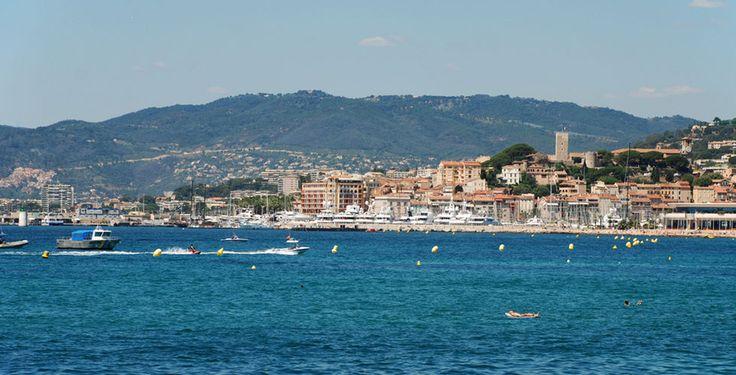 Verbringe 2, 3 oder 5 Nächte im 4-Sterne Hotel Barrière Le Gray d'Albion Cannes in der Nähe der berühmten Uferpromenade. Im Preis ab 265.- sind das Frühstück und der Flug inbegriffen.  Hier kannst du den Ferien Deal buchen: http://www.ich-brauche-ferien.ch/ferien-deal-cannes-fuer-265-inklusive-flug-und-hotel-buchen/