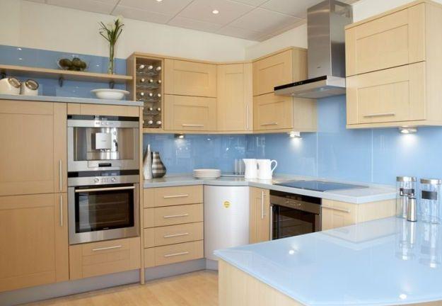 GLASSCOLOR entre-meubles | GLASSCONCEPT – Miroiterie, vitrerie, construction Métallique