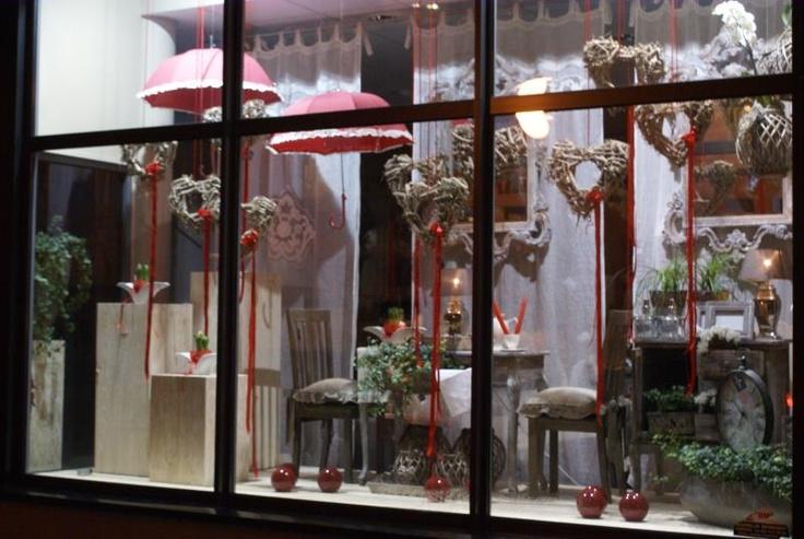Okno wystawowe na Walentynki 2013