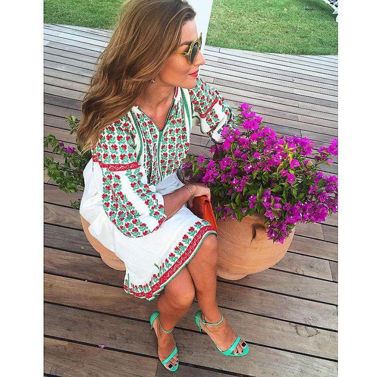 Stunning embroidery on romanian blouse<3 #vintage #RomanIA #romanianblouse @RamonaFilip