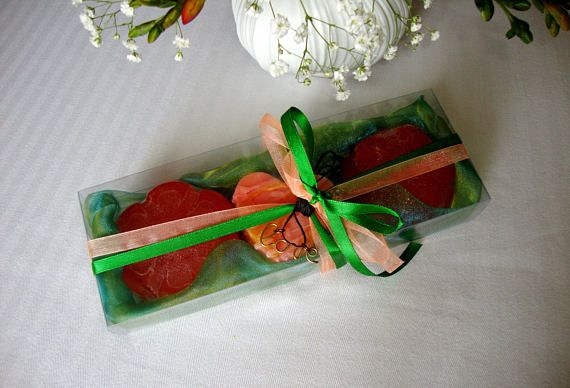 Anniversary Gift for Wife Green-Apricot Soaps Set for Her