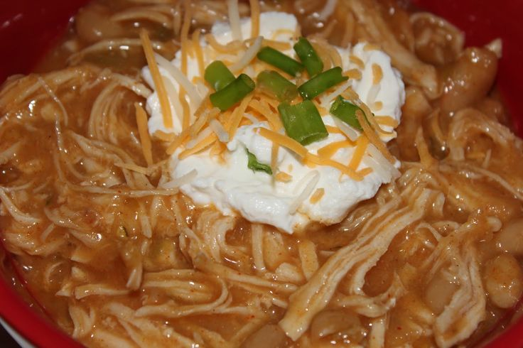 Super Yummy and Easy Crockpot Chunky Chicken Chili