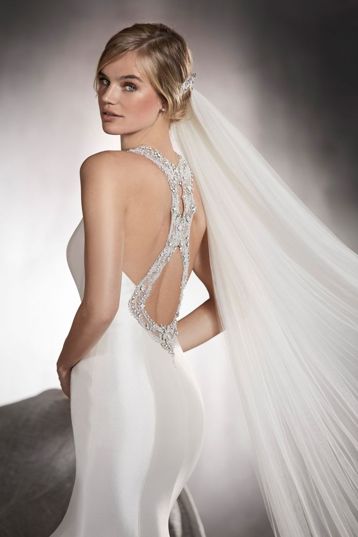 Lisa robertson in wedding dress - Elegance Redefined The Beautiful New 2017 Bridal Collections From Pronovias
